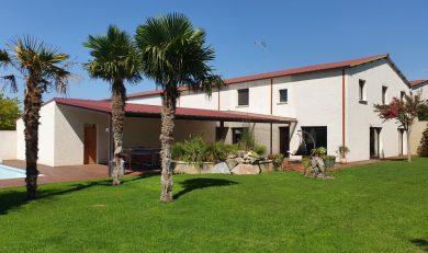 Maison Contemporaine 200 m² avec Atelier et Local Professionnel 380 m² sur Terrain clos 2800 m, Auterive. Mandat N° 201003a.