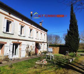 Massabrac, Maison de caractère du XIXeme siècle avec vue sur les Pyrénées Ariègeoises