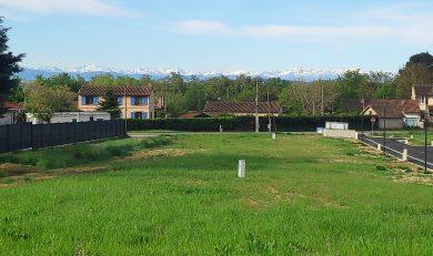 Cintegabelle, Terrain de 826 m² viabilisé dans petit lotissement au calme.