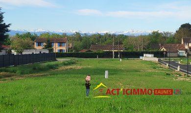 Cintegabelle, Terrain de 876 m² viabilisé dans petit lotissement au calme.