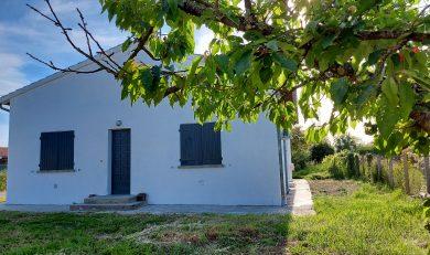 Lagardelle sur Léze, Villa entièrement rénovée, plain-pied sur Terrain clos d'environ 780 m².