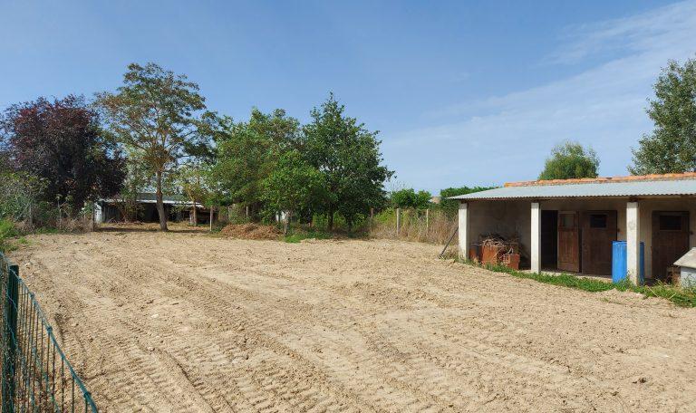 Lagardelle sur Léze, Terrain Plat, arboré, Constructible d'environ 881 m²avec dépendances.