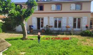 Cintegabelle, Charmante Maison T5 sur terrain clos arboré d'environ 1573 m²